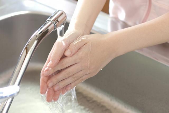 手指からのノロウイルス汚染に注意しましょう!